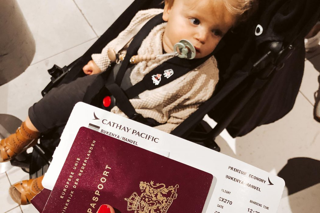 11 X dingen die je 'moet' regelen als je voor het eerst een (verre) reis gaat maken met je baby