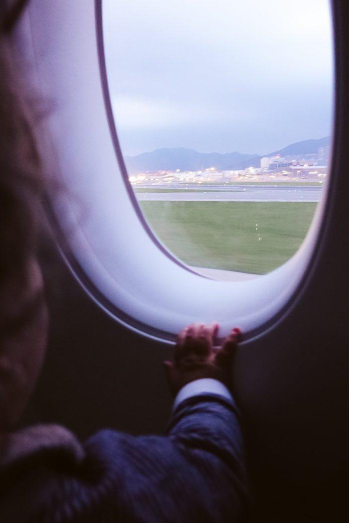 12 X Tips als je baby tijdens een lange vlucht 10 uur aan het huilen is